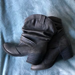 Cute western style boots